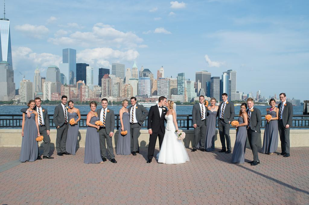 Blog_bridal-party-liberty-state-park-new-york-skyline