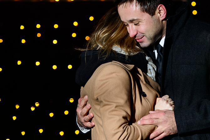 Blog_chicago-wedding-photographer-Lincoln-park-zoo-lights-chicago-engagement-session-8568