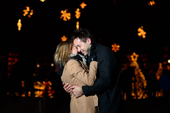 Blog_chicago-wedding-photographer-Lincoln-park-zoo-lights-chicago-engagement-session-8640