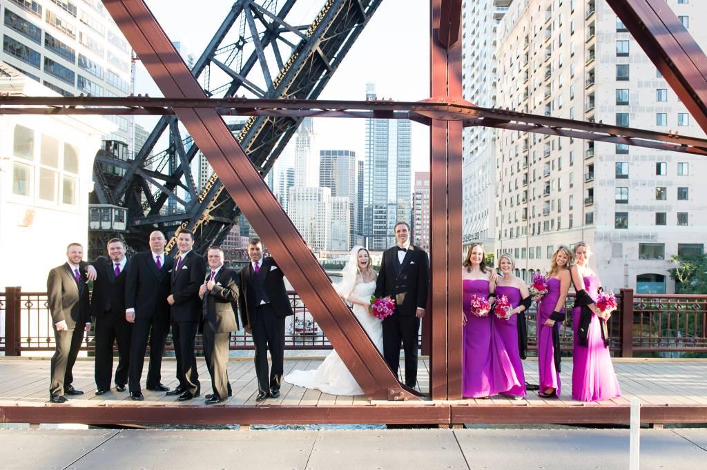 Blog_chicago-wedding-photography-bridal-party-downtown-bridge