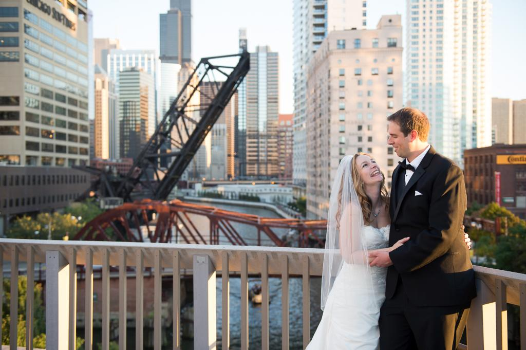 Blog_chicago-wedding-photography-downtown-bride-groom