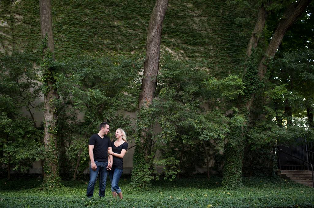 Blog_chicago-wedding-photography-engagement-nature