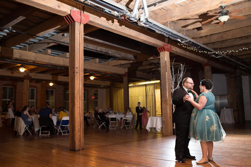 Starline-factory-harvard-il-reception-venue-ceremony-diy-decorations (119 of 122)